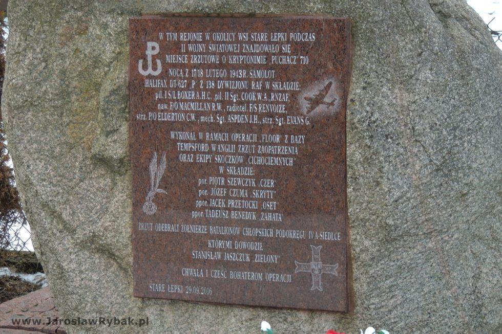 Napis naobelisku upamiętniający wydarzenia zlutego 1943 r.
