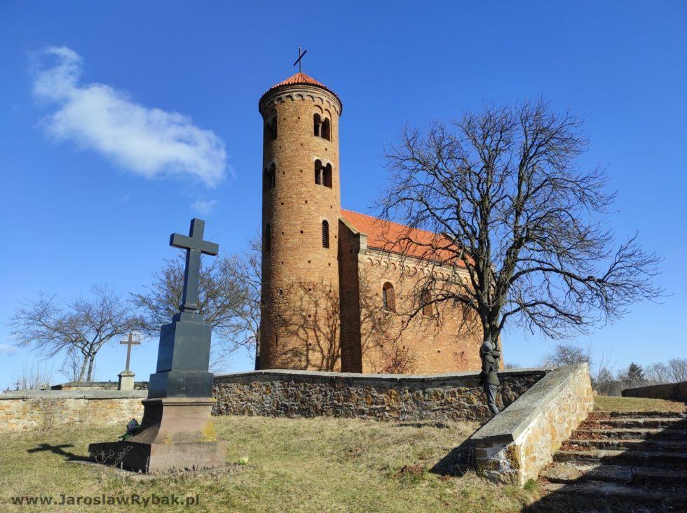 Kościół św.Idziego wcałej okazałości.