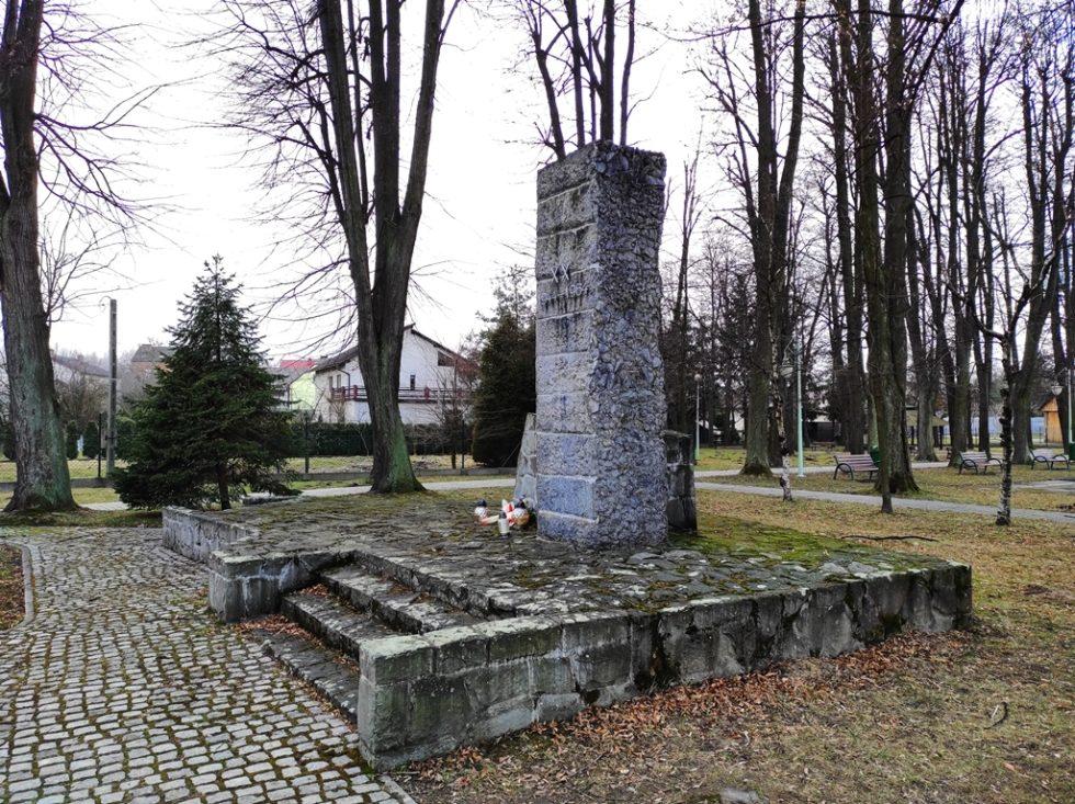 Przed II wojną światową wregionie popularny był ruch ludowy, dlatego wczasie okupacji konspiratorzy działali wstrukturach Batalionów Chłopskich.